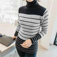 JOAMOM - Turtle-Neck Striped Knit Top