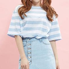 icecream12 - Crewneck Short-Sleeve Striped T-Shirt