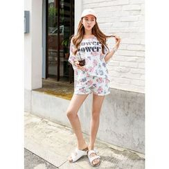 J-ANN - Set: Floral Print T-Shirt + Shorts