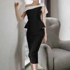 Yilda - 單肩塑身荷葉腰連衣裙