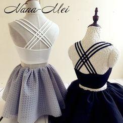 NANA Stockings - 後交錯帶胸衣