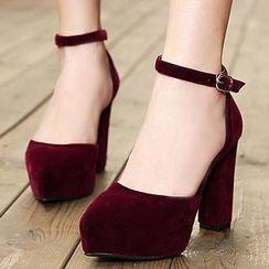 Mancienne - Velvet Chunky Heels