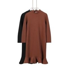 Momewear - Long-Sleeve Ruffled Dress