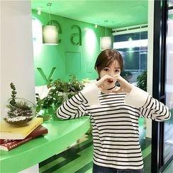 QZ Lady - Long-Sleeve Striped T-Shirt