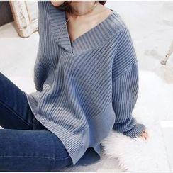 Emeline - V-Neck Oversized Sweater