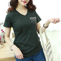 Dodostyle - Beaded Pocket V-Neck T-Shirt