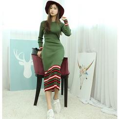 Dodostyle - Stripe-Trim Ribbed Knit Long Dress