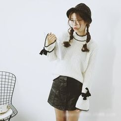 Polaris - Lantern Sleeve Bow Knit Top