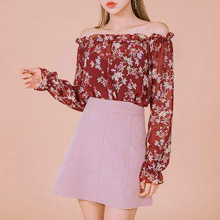 chuu - Off-Shoulder Floral Print Top