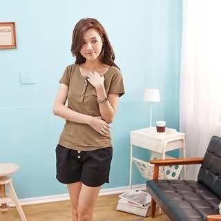 RingBear - Button-Accent U-Neck T-Shirt
