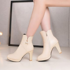 Pretty in Boots - High-Heel Short Boots