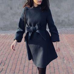 DAZZ - 纯色蝴蝶结针织外套连衣裙