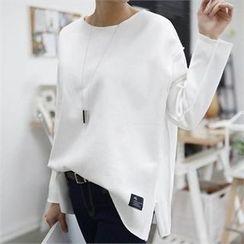 CHICFOX - Drop-Shoulder Slit-Side T-Shirt
