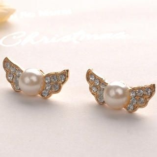 Fit-to-Kill - Pearl Wings Earrings - White