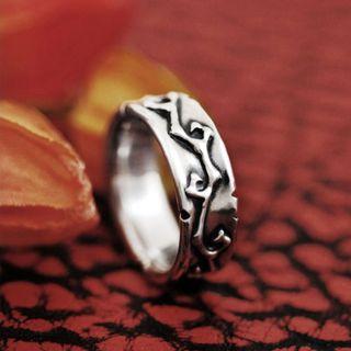 Sterlingworth - Couple Thorn Vine Embossed Sterling Silver Ring(for Women)