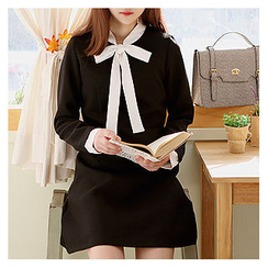 Sechuna - Tie-Front Contrast-Trim Dress