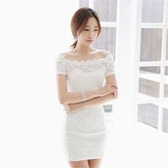 clubber - Off-Shoulder Lace Dress