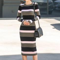 Seoul Fashion - Color-Block Rib-Knit Dress