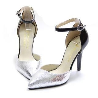 77Queen - Two-Tone Metallic Pumps
