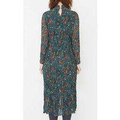 Someday, if - Mock-Neck Crinkled Flower Pattern Long Dress