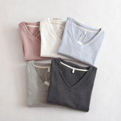 Lacyland - Long Sleeve V-Neck T-Shirt