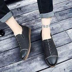 NOVO - 飾縫線樂福鞋