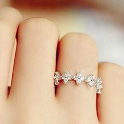 True Glam - Rhinestone Ring
