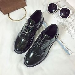 Wello - Lace-Up Patent Shoes