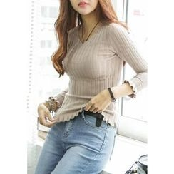 REDOPIN - V-Neck Textured Knit Top