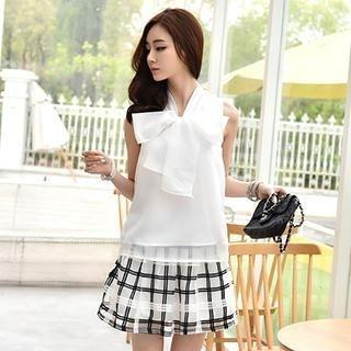 Romantica - Set: Sleeveless Tie-Neck Top + Plaid Skirt