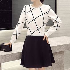 Romantica - Set: Long-Sleeve Cropped Check Top + Plain A-Line Skirt
