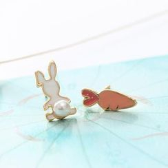 Persinette - Rabbit & Carrot Non-Matching Earrings