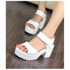 BAYO - Velcro-Strap Block Heel Sandals