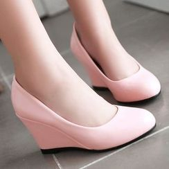 Sidewalk - Pointy Wedge Pumps