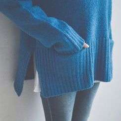 JUSTONE - Turtle-Neck Pocket-Front Sweater