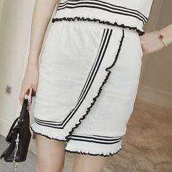 Rocho - 套裝: 配色邊短袖上衣 + 直筒裙
