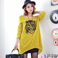OrangeBear - Tiger-Print Diagonal-Hem Knit Top