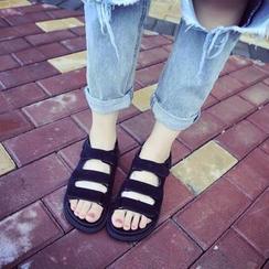 Wello - Velcro Sandals