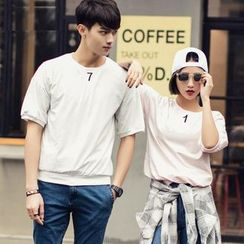 Evolu Fashion - Couple Matching Embroidered T-Shirt