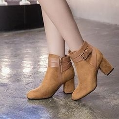 Monde - Buckle Detail Block Heel Short Boots