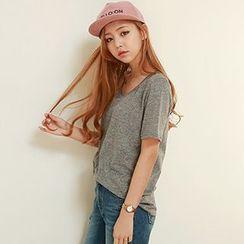 Seoul Fashion - Scoop-Neck T-Shirt
