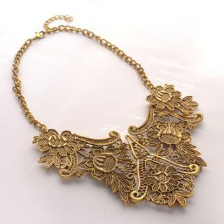 Fit-to-Kill - Vintage Metal Flower Pattern Necklace