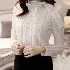 Jolly Club - Bowed Lace Top