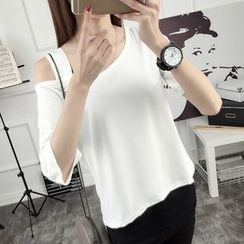 Ukiyo - Cutout Shoulder 3/4-Sleeve T-Shirt