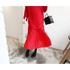 MARSHMALLOW - Pleated Lace-Hem Dress
