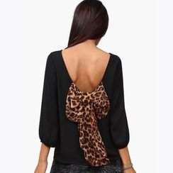 Obel - Leopard Bow Accent 3/4 Sleeve Chiffon Top