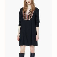 Hotprint - Embroidered Yoke Long-Sleeve Dress