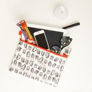 45SEVEN - Contrast-Zip Accent Owl-Patterned Clutch