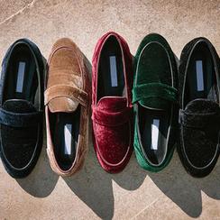 chuu - Round-Toe Velvet Loafers