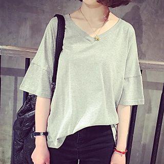 Shimi - Short Sleeve V-Neck T-Shirt